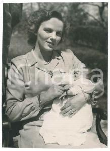 1949 LA CONVERSION SUISSE Anna di BORBONE-PARMA con la figlia Margherita neonata