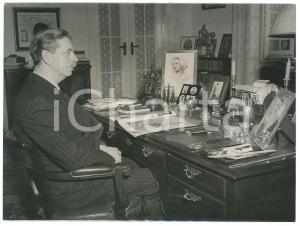 1951 ESTORIL (PORTUGAL) Ex king Carol of ROMANIA at his home MARYSOL - Photo
