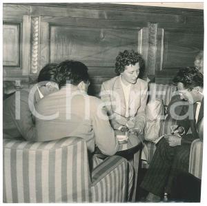 1953 ITALIA - CRONACA Delitto di COURMAYEUR - Jolanda BERGAMO tra i giornalisti