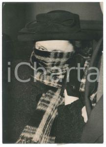 1953 PARIS Violette NOZIERE au Palais de Justice pour demande réhabilitation