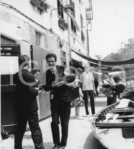 1962 PORTOFINO Juan Carlos di Borbone e Sofia di Grecia con i fotografi - Foto