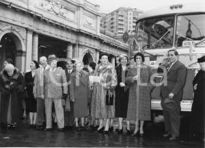 1955 GENOVA Partenza nobili invitati su pullman SATI Aero Express (4) Foto