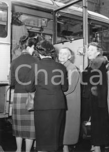 1955 GENOVA Partenza nobili invitati su pullman SATI Aero Express (5) Foto
