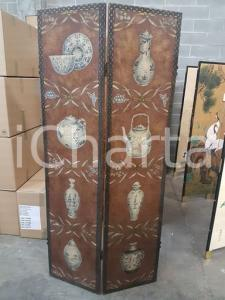 1960 paravento legno con dipinto raffigurante porcellane - misure 198,5 x 92 cm