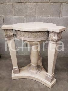 1970 VINTAGE Base rotonda per tavolino in legno tassellato in pietra