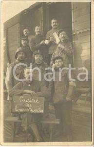 1917 WW1 DUNKERQUE Soldats belges de la cuisine à côté d'un wagon - Photo