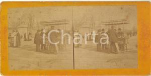 1890 ca NAMUR (BELGIQUE) Vendeurs au parc  - RARE Stereoscopic photo FRITZ
