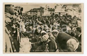 1925 ca ROMA Benito MUSSOLINI in ginocchio sull'Altare della Patria - Cartolina