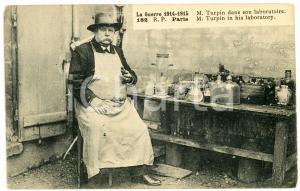 Guerre 1914-1915 PARIS - M. TURPIN dans son laboratoire  - Carte postale CPA