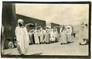 1920 ca ALGERIA - Uomini in un villaggio  - Foto VINTAGE 14x9 cm (1)
