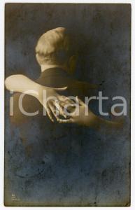 1916 LES AMOUREUX Câlin invisible - Carte postale FP VG