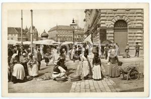 1900 ca ZAGREB (CROATIA) Jelacic Square - ANIMATED postcard market