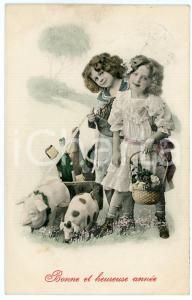 1913 BONNE ET HEUREUSE ANNÉE - Little girls with pig on a leash and baskets