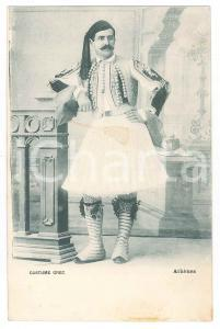 1900 ca ATHÈNES - GRÈCE Homme en costume grec - Carte postale FP NV