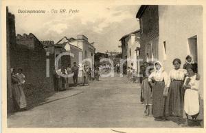 1933 DECIMOMANNU (CA) Via RR. Poste - Panorama - Cartolina ANIMATA FP VG