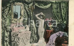 1900 ca EROTIC VINTAGE Naked woman from behind at her vanity *Postcard
