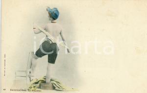 1900 ca BAIGNEUSES La réaction -Femme se déshabille *Carte postale vintage FP NV