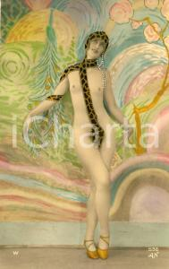1920 ca EROTIC VINTAGE Nude woman wearing a leopard-print scarf - RARE Postcard