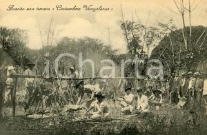 1910 ca COSTUMBRES VENEZOLANAS Asando una ternera - Tarjeta postal vintage