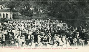 1910 ca CAYENNE (GUYANE) Mi-Carême - Bataille des fleurs en Place d'Armes