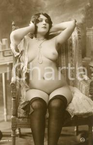 1910 ca VINTAGE EROTIC Naked plus size women with a pearl necklace RARE Postcard