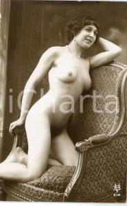 1910 ca VINTAGE EROTIC Naked woman sitting on an armchair - RARE Postcard