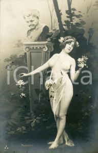 1910 ca VINTAGE EROTIC Nude nymph with a veil in a garden - Postcard risque