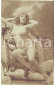 1910 ca VINTAGE EROTIC Nude model Fernande in easy chair - Postcard FP