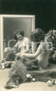1910 ca VINTAGE EROTIC Nude woman caressing a bearskin rug  - Postcard risque