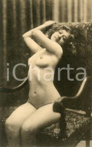 1910 ca VINTAGE EROTIC Nude woman on an easy chair - Postcard risque FP