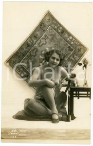 1910 ca VINTAGE EROTIC Nude woman smoking  with a teddy bear - Postcard risque