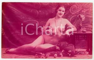 1910 ca VINTAGE EROTIC Nude woman with flowers - Postcard risque LÉO 105 (4)