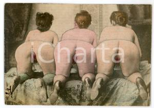1920 ca VINTAGE EROTIC Three nude woman from behind - Coloured postcard risque