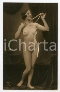 1910 ca VINTAGE EROTIC Nude woman with pearl necklace - Postcard risque PC PARIS