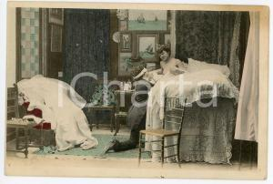 1900 ca VINTAGE EROTIC Newlyweds in their bedroom (7) - Postcard FP