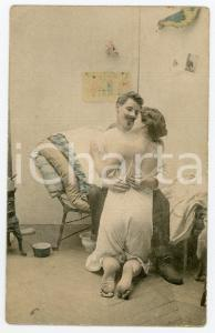 1900 ca Couple of lovers near their cot - French vintage postcard
