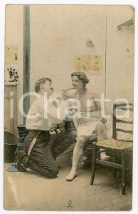 1900 ca VINTAGE EROTIC Man feeding a woman - Postcard risque topless