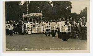 1932 DUBLIN Eucharistic Congress - Procession of Blessed Sacrament - Postcard