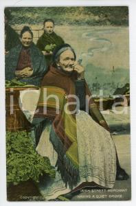 1920 ca IRELAND Irish street merchant having a quiet smoke - Postcard FP NV