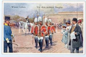 1920 ca WIEN - WIENER LEBEN Von der äusseren Burgtor Trabantenleibgarde Postcard