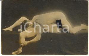 1910 ca VINTAGE EROTIC Nude couple on a sofa - Oral sex (3) RARE Photo PORN RPPC