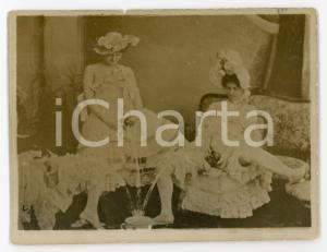 1910 ca VINTAGE EROTIC Three women - RARE PORN Photo Pee - 11x9 cm