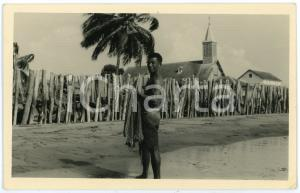 1950 ca CONGO - AFRICA Fisherman with fishing nets - Postcard FP VG