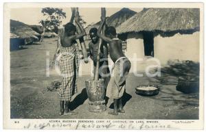 1930 ca CONGO BELGE - LAKE MWERU Atawa maidens pounding corn at Chienge Postcard