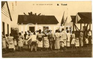 1910 ca AFRICA SÃO TOMÉ Um batuque de serviçaes - ANIMATED Postcard