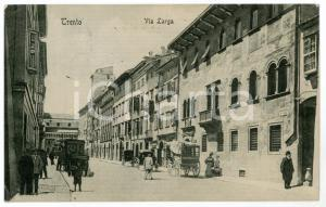 1911 TRENTO Via Larga - Cartolina postale ANIMATA carrozze FP VG