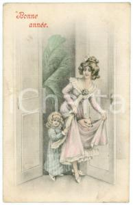 1910 ca BONNE ANNEE Mum and child with baby pig  - Vintage postcard