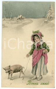 1910 ca BONNE ANNEE Little girl with baby pig - Vintage postcard