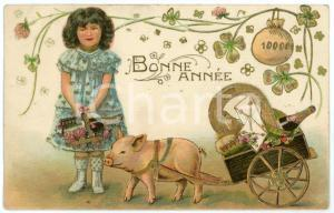 1907 BONNE ANNÉE Child with lucky pig - Embossed golden postcard FP VG
