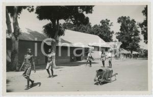 1955 ca CONGO BELGE Un village - BATA shop - Real Photo TROPICA RPPC